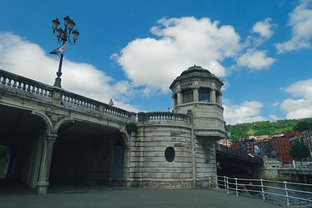 市庁舎の橋(Puente del Ayuntamiento)