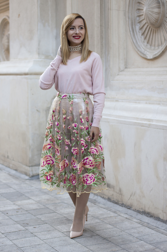 christmas outfit in shades of pink