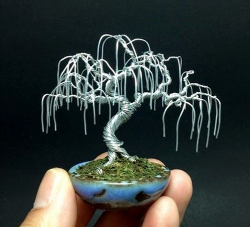 24-Ken-To-aka-KenToArt-Miniature-Wire-Bonsai-Tree-Sculptures-www-designstack-co