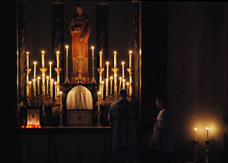 http://www.newliturgicalmovement.org/2018/12/rorate-mass-at-st-stephens-in-portland.html#.XjX5Ohd7mqA