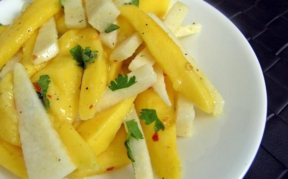 Ensalada De Jicama Y Mango