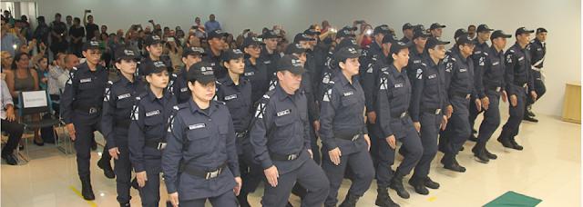 Prefeitura empossa novos recrutas da Guarda Municipal de Fortaleza (CE)