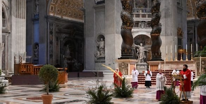Pope celebrates mass in an empty church