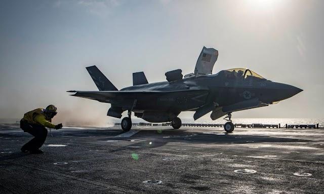 Mundo: Estados Unidos lançam ataques aéreos em apoio às forças afegãs