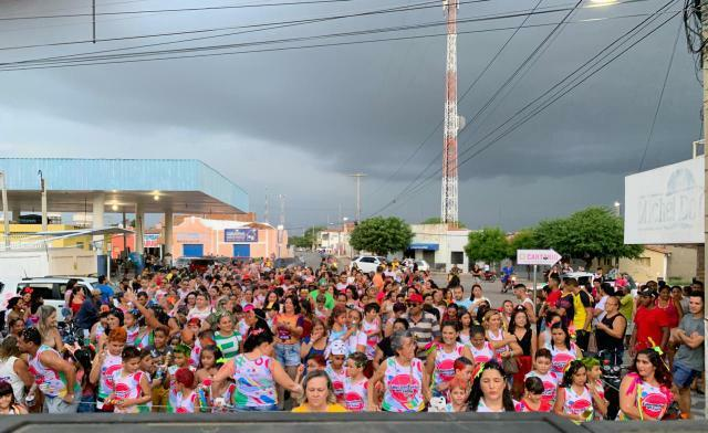 Educandário Padre Félix promove Carnaval dos seus alunos para alegria da garotada