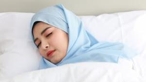 Kebiasaan Sebelum Tidur Ini Bisa Bantu Turunkan Berat Badan