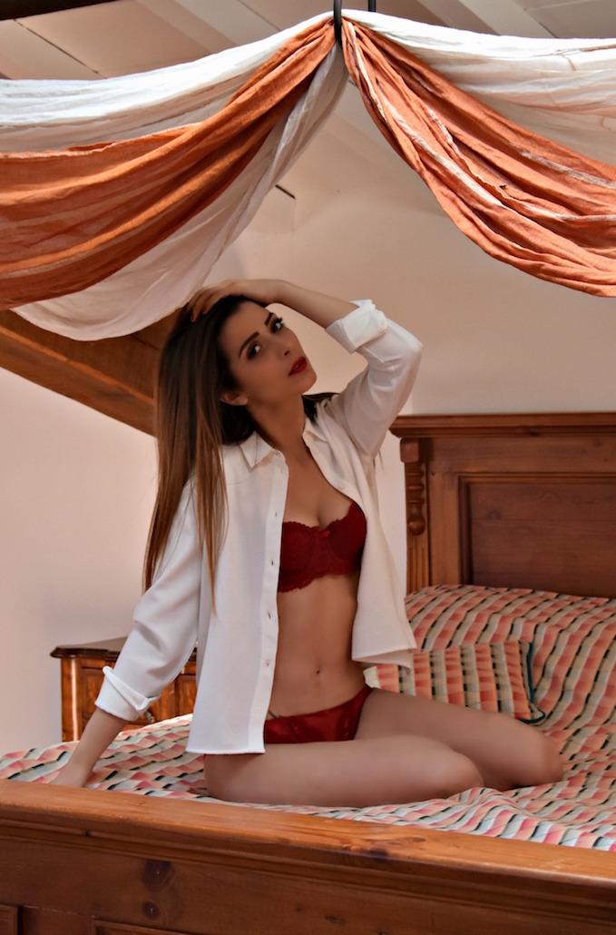 lingerie rossa, intimo seducente e femminile