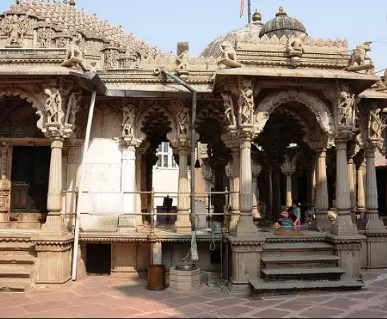 What is Ahmedabad Heritage Tour - jain temple