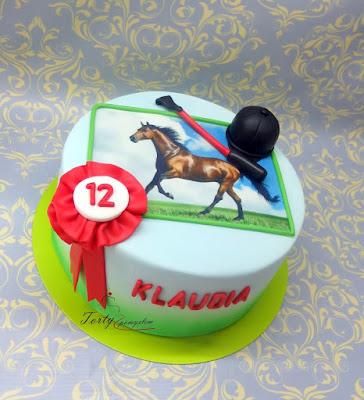 tort z wydrukiem z koniem