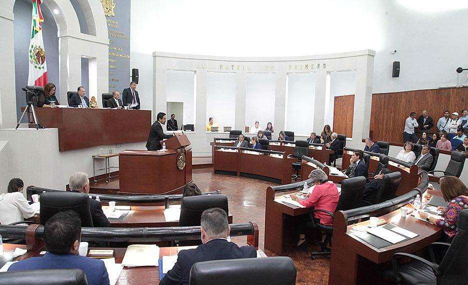 """VIDEO: """"Bájate, cabr´n… maric´n"""", reta diputado perredista a detractor en pleno Congreso de SLP"""