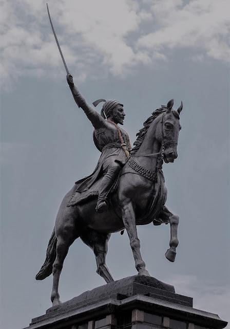 Statue_of_Chhatrapati_Shivaji_Maharaj