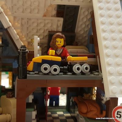 LEGO Winter Village mum with train set