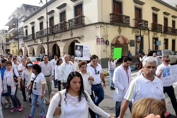 Asesinan a neurocirujano en Veracruz y médicos reclaman justicia