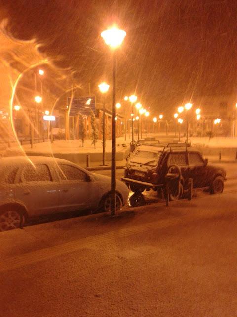 Στα λευκά ξημέρωσε η Αττική ...Δύσκολο το επόμενο τριήμερο – Πού και πώς θα χτυπήσει ο χιονιάς τις επόμενες ώρες..