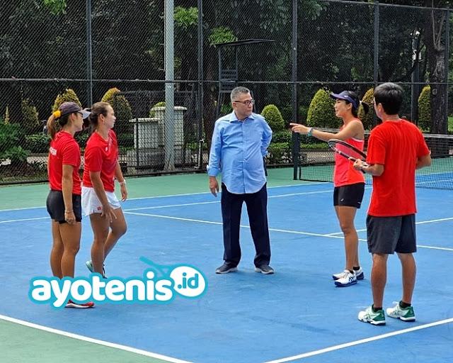 Ketum PP PELTI Dr. Rildo Ananda Anwar Tinjau Pelatnas Tenis Pasca PON XX Papua