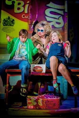 Hansel and Gretel - Opera North - Katie Bray, Susan Bullock, Fflur Wyn - Photo Credit: Robert Workman