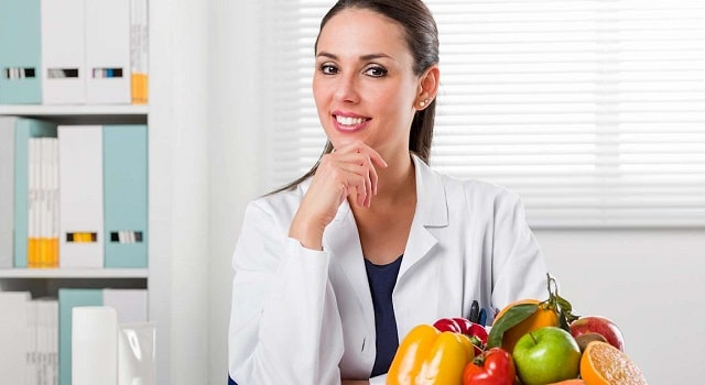 visit nutritionist registered dietitian improve wealth and health