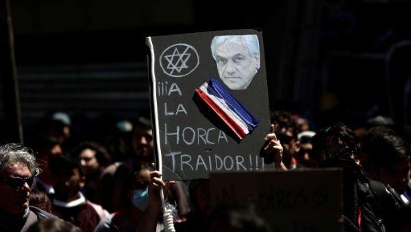 """Acusan que presidente chileno solo vende """"humo"""" con medidas sociales"""