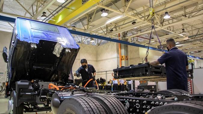 Baterias Moura participará da produção dos caminhões Volkswagen e-Delivery