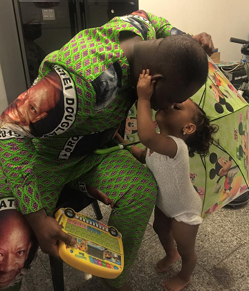 Photo 2 Year Old Nigerian Girl Gives Father Daniel