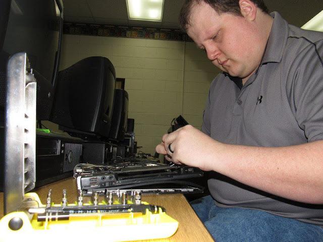 Roger Samara - Computer Student
