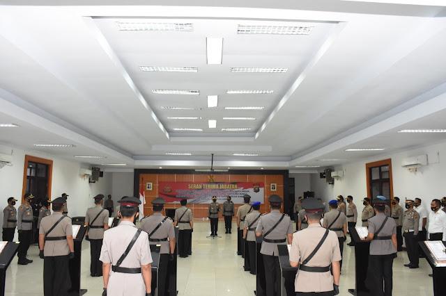 Polda Jambi Gelar Upacara Sertijab 4 Pejabat Utama dan 5 Kapolres