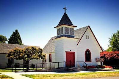 Pengertian Panggilan Gereja | 3 Tugas Panggilan Gereja di Dalam Keluarga