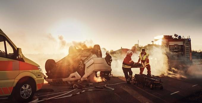 Szörnyű tragédia: kamionnal ütközött egy rendőr, az egész család meghalt