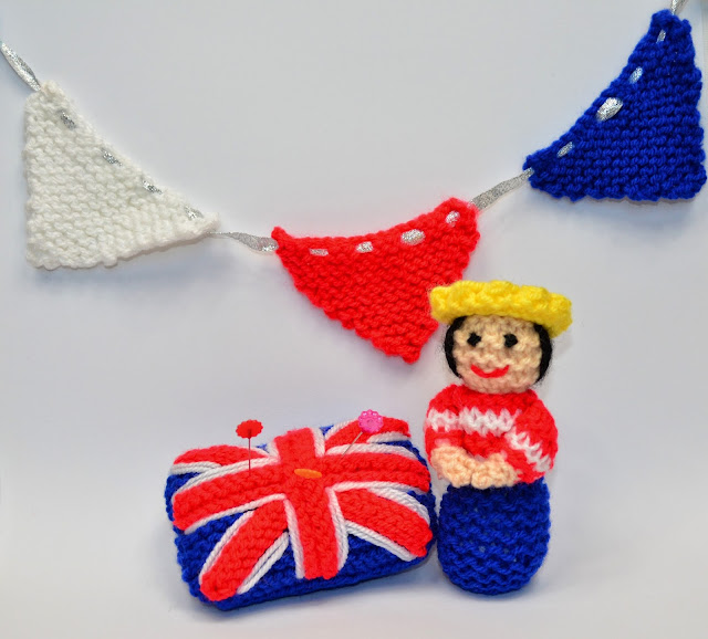 Edith Grace Designs A Miniature Queen Doll Bunting And Union Jack