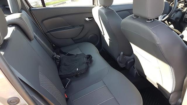 Novo Logan 1.6 Automático 2020 - teste  - espaço traseiro