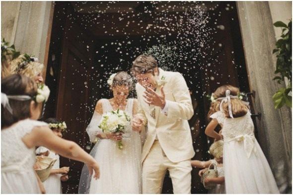 ideias-diferentes-do-tradicional-para-a-saida-dos-noivos-da-cerimonia-alpiste