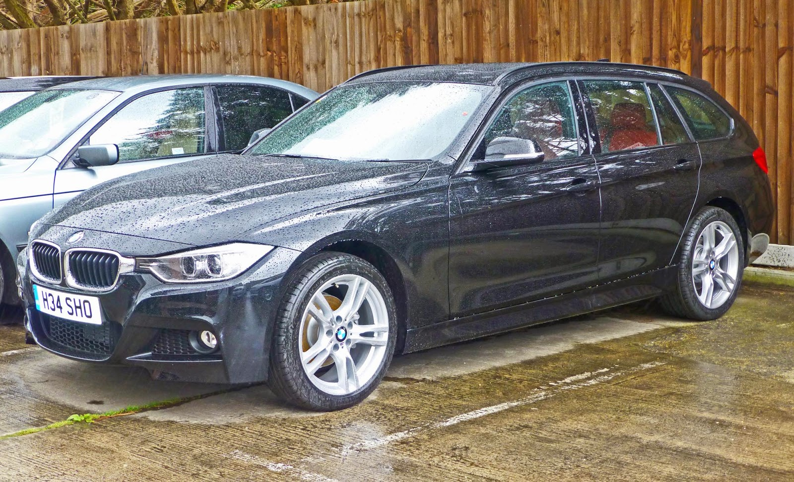 speedmonkey living with 2013 bmw 320i x drive m sport touring. Black Bedroom Furniture Sets. Home Design Ideas