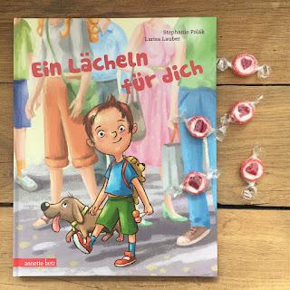 """Bilderbuch """"Ein Lächeln für dich"""" von Stephanie Polák, Illustrationen: Larisa Lauber, Verlag: Annette Betz, Buchvorstellung auf Kinderbuchblog Familienbücherei"""