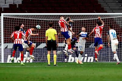 Video Atletico Madrid 2-1 Alaves: Costa tỏa sáng, dằn mặt Barca