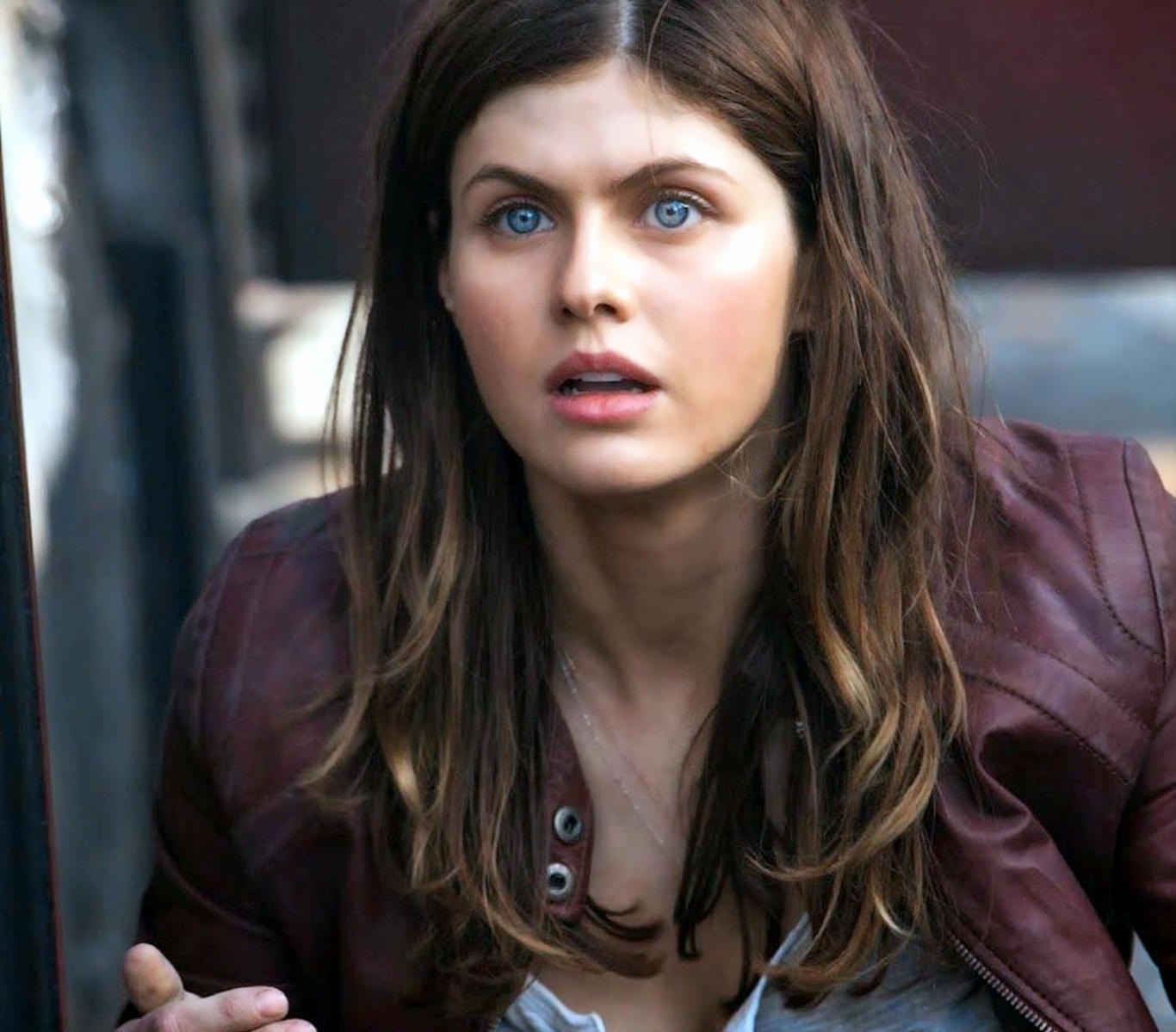Alexandra Daddario San Andreas Movie Wallpaper