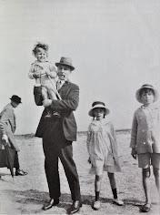 Eustachy Sapieha z dziećmi