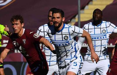 ملخص واهداف مباراة انتر ميلان وتورينو (2-1) الدوري الايطالي