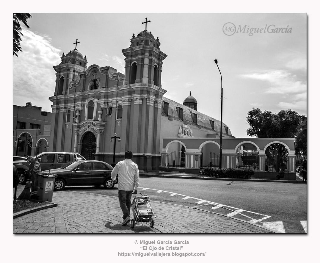 Iglesia de Santiago Apóstol, Surco Viejo, Lima (Perú)