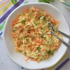 Receta para preparar ensalada cruda con tallos de brocoli y zanahoria
