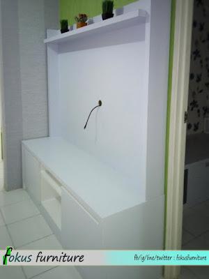 kabinet tv minimalis putih