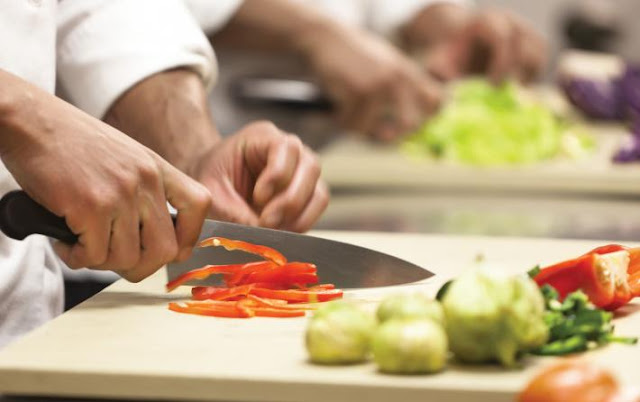 Ζητείται βοηθός μάγειρα σε καφέ εστιατόριο στο παλιό Ναύπλιο