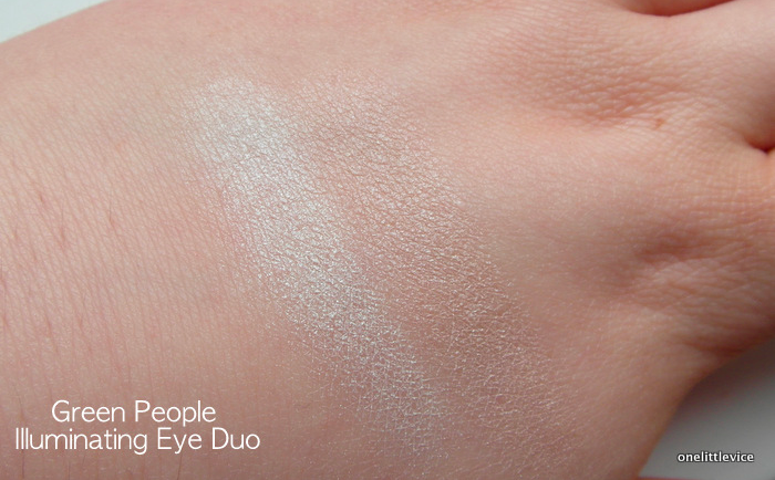One Little Vice Beauty Blog: Natural Eyeshadows for Brightening Eye look