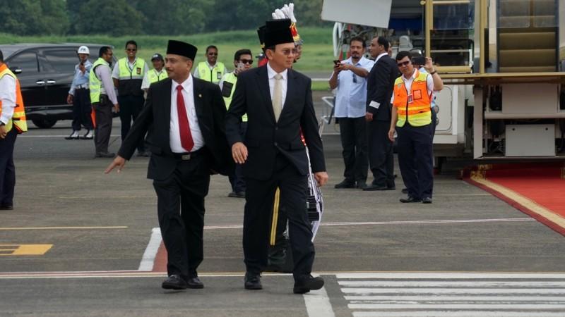 Ahok menyambut Raja Salman di Bandara Halim Perdanakusuma