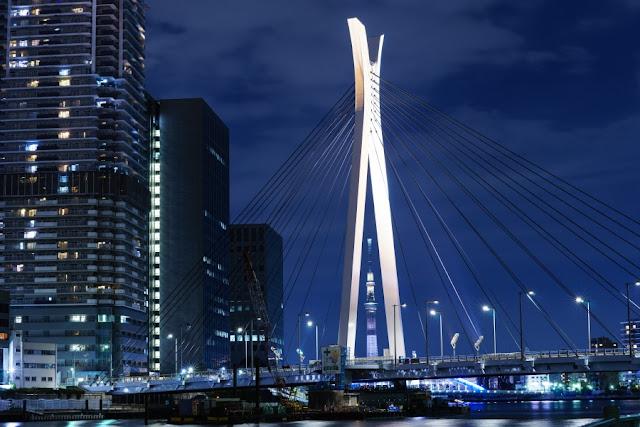 東京スカイツリーと中央大橋