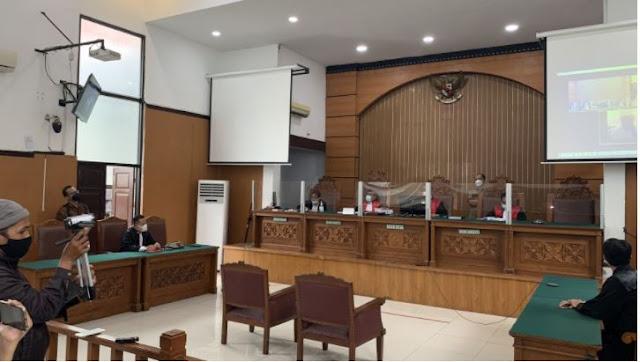 Satu Kamar di Tahanan, Gus Nur Ungkap Kondisi Ustadz Maaher saat Sakit