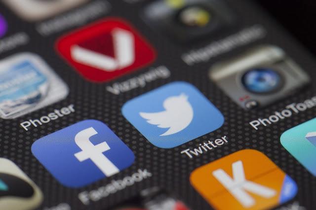 مزايا لأستخدام مواقع التواصل الاجتماعي