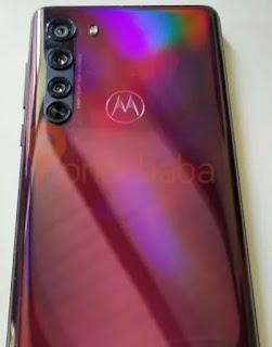 Bidikan langsung Motorola Edge muncul untuk mengungkapkan penampilan belakangnya