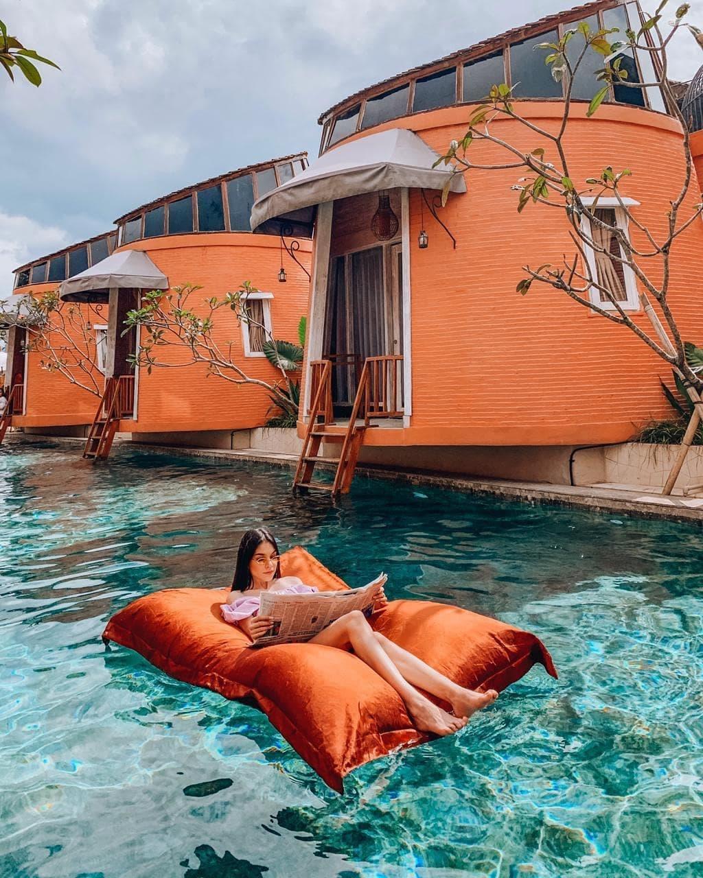kolam renang dusun the villas semarang