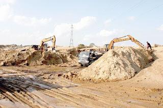 Khu khai thác cát xây dựng