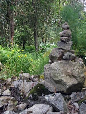monte de pedra no Caminho de Santiago de Compostela